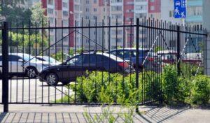Ограждения из металла для многоквартирных жилых домов в Москве
